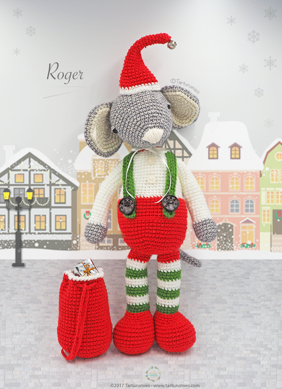 Amazon.com: Crochet Stuffed Amigurumi Gray Mouse with Red Scarf ... | 1258x913